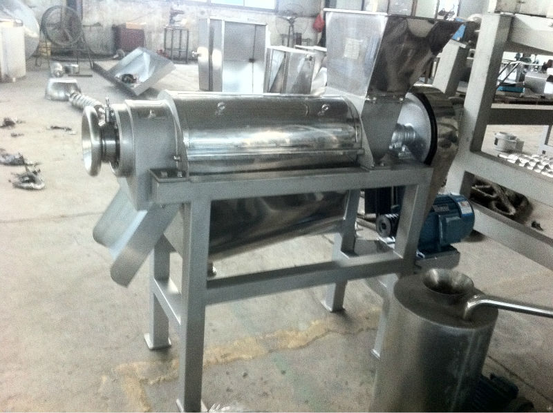 coconut juicer / professional industrial juicer extractor machine